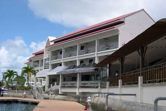 Landmark Marina Hotel - Courtesy of www.diversiondivetravel.com.au
