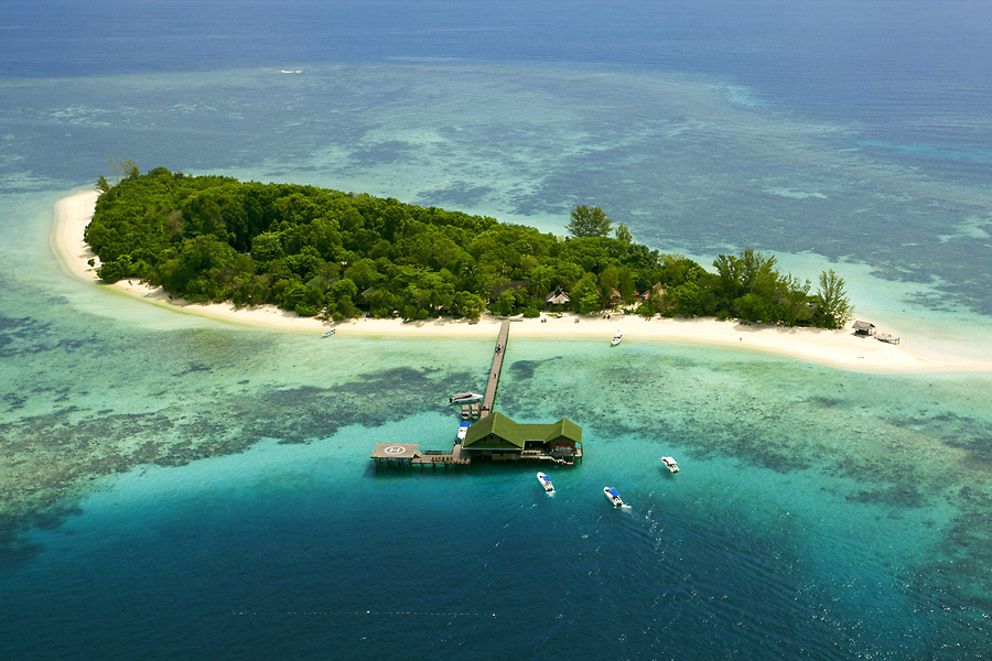 Experience Underwater Magic by Visiting Malaysia